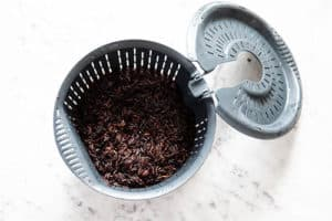 Black rice in the internal steam basket to be steamed